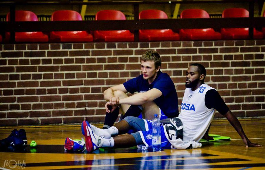 Daniel Szymkiewicz i Tyrone Brazelton (Fot. Tomasz Fijałkowski)