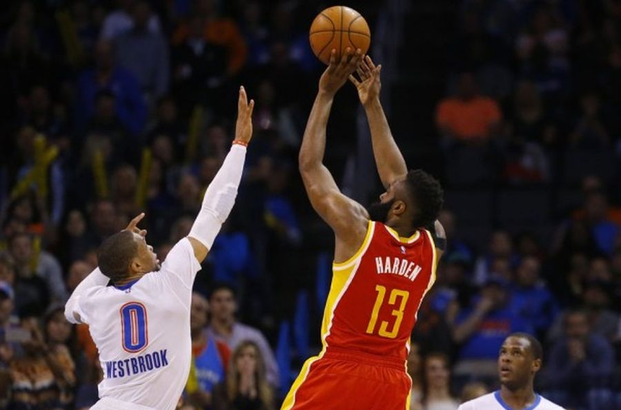 Russell Westbrook i James Harden / fot. wikimedia commons