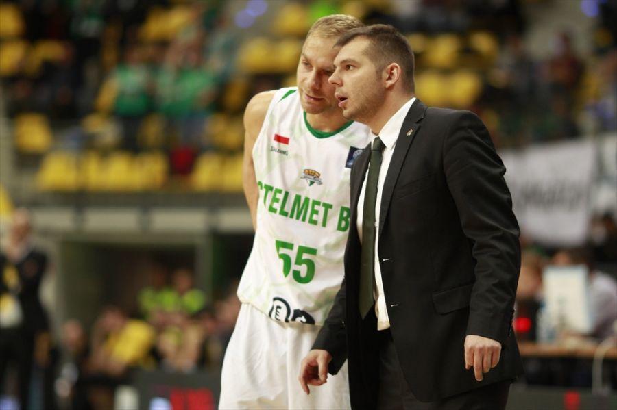 Łukasz Koszarek i Artur Gronek (fot. Basketball Champions League)