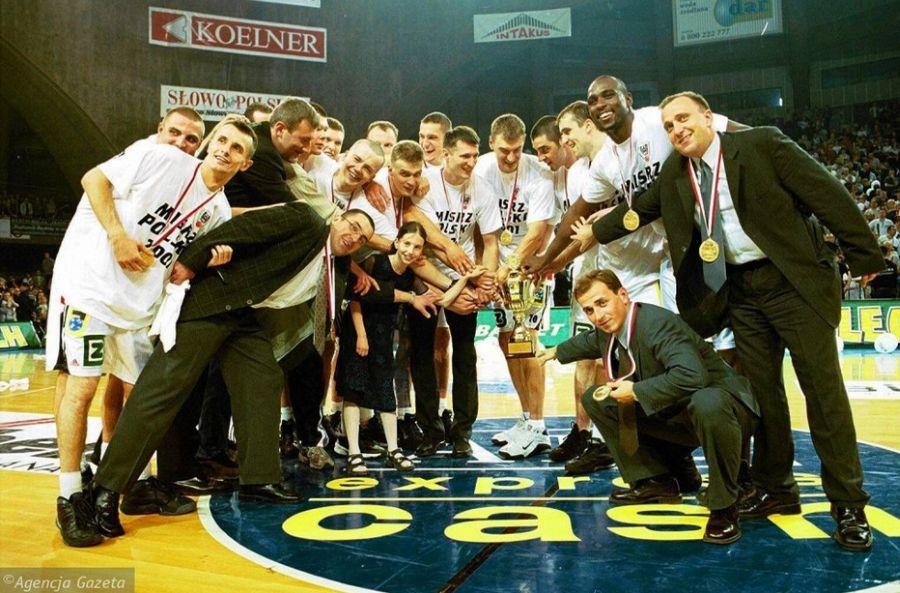 Mistrzowie Polski z 2001 roku (Fot. Mieczysław Michalak/Agencja Gazeta)