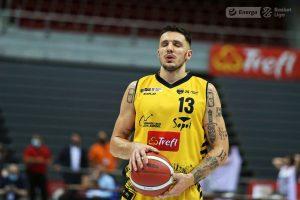 Dominik Olejniczak – fruwa i zaskakuje! (analiza)