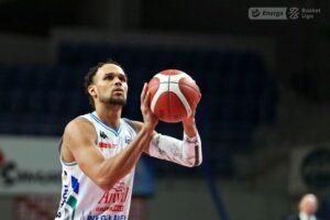 Ivan Almeida znów trenuje - pierwsze rzuty gwiazdy Anwilu