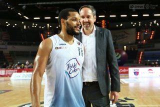 Chris Wright i trener Sebastian Machowski / fot. A. Romański, plk.pl