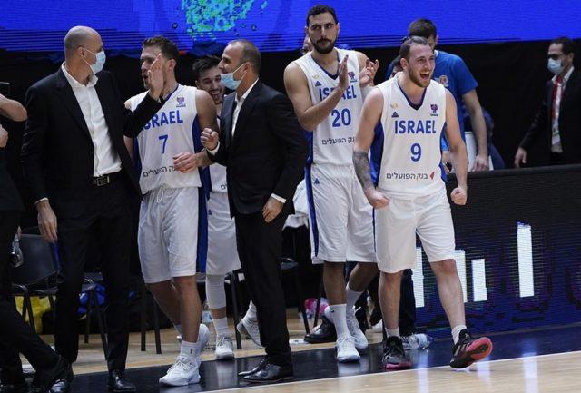 Gal Mekel (nr 9) / fot. FIBA Europe