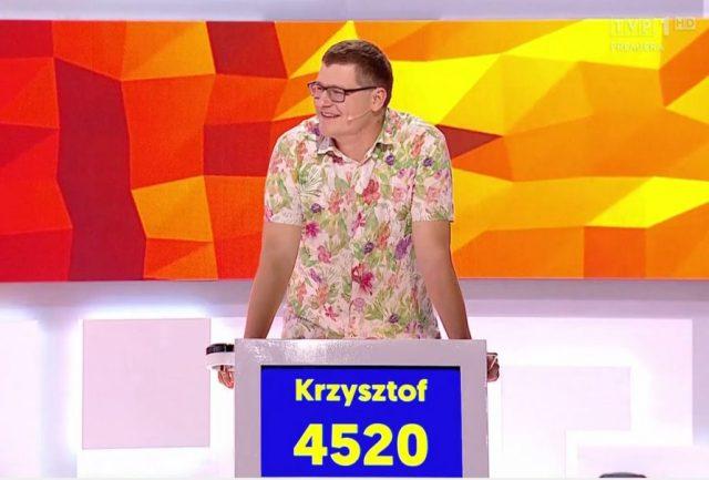 """Krzysztof Adamczyk tuż po pierwszym zwycięstwie w """"Gra Słów. Krzyżówka"""" / fot. TVP 1"""