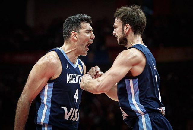 Luis Scola i Marcos delia / fot. FIBA