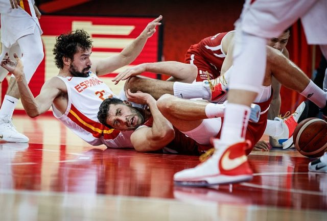 Sergio Llull i Adam Hrycaniuk / fot. FIBA