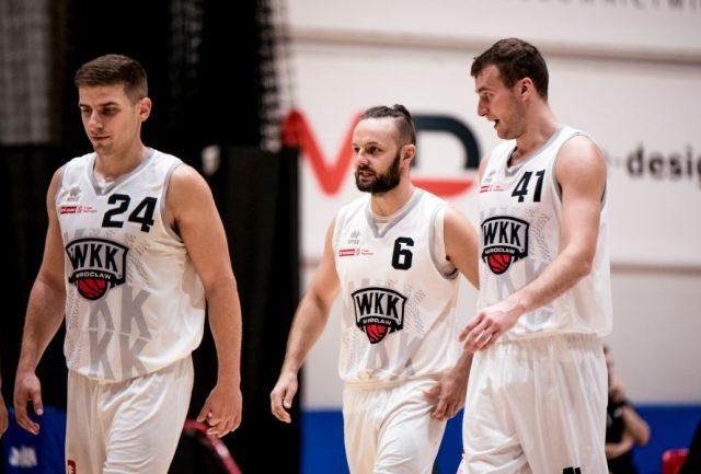 Tomasz Ochońko (numer 6) ma być nowym liderem zespołu z Wrocławia / fot. WKK Wrocław