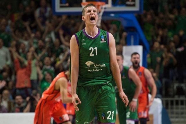 Adam Waczyński (fot. eurocupbasketball.com)