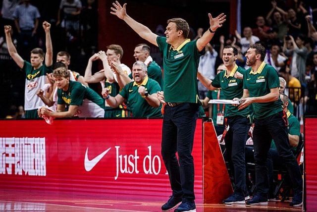 Trener Dainius Adomaitis / fot. FIBA