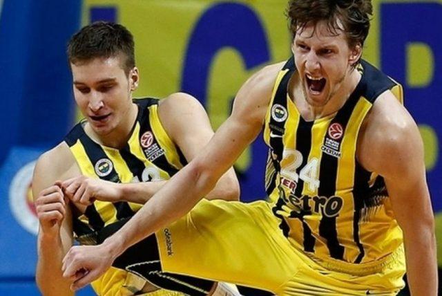 Bogdan Bogdanović i Jan Vesely (fot. euroleague.net)