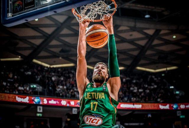 Jonas Valanciunas (fot. FIBA.com)