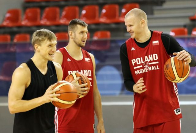 Od lewej: Filip Matczak, Przemysław Zamojski, Damian Kulig (fot. Andrzej Romański/PZKosz.pl)