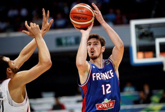 Nando de Colo (fot. FIBA.com)