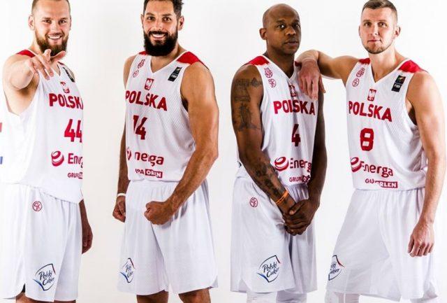 Polacy grają w składzie (od lewej): Szymon Rduch, Paweł Pawłowski, Michael Hicks, Przemysław Zamojski / fot. FIBA