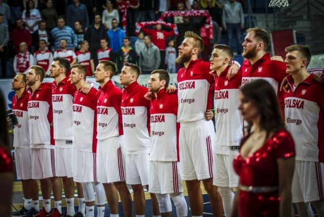 Reprezentacja Polski po wygranej z Rosją / fot. A. Romański, PZKosz