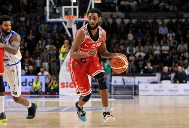 Ryan Harrow (fot. Wikipedia)