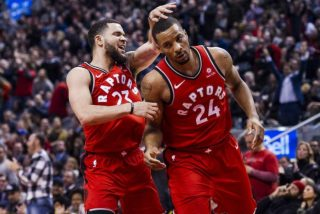 Fred VanVleet i Norman Powell / fot. wikimedia commons